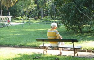 Come richiedere teleassistenza e telesoccorso anziani Italia