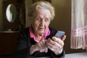 Salvavita o cellulari per anziani demenze - Helpy Oops
