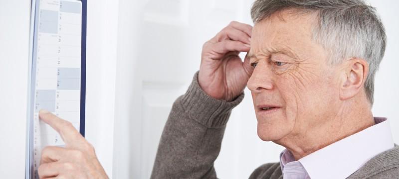 Salvavita per anziani: i dispositivi di telesoccorso che aiutano le persone affette da demenza senile