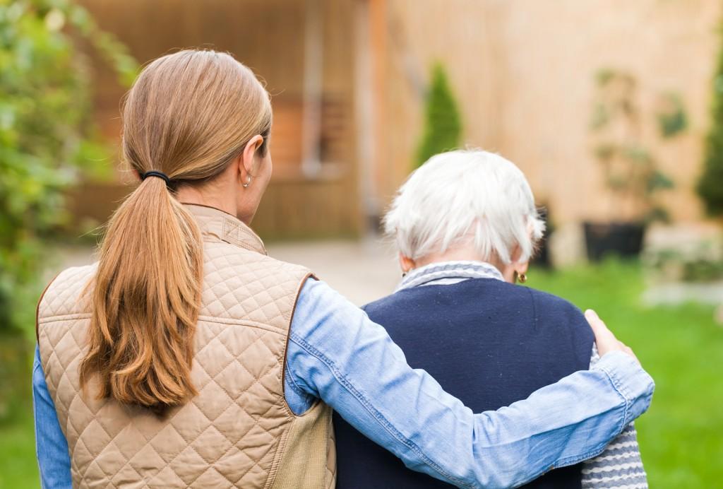 Assistenza domiciliare anziani Come scegliere Badanti - Telesoccorso Helpy Oops